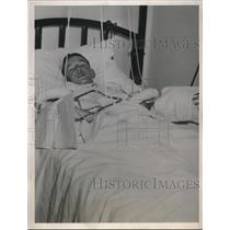 1936 Press Photo George Antrobius, 14, home-made bomb blew off his fingers