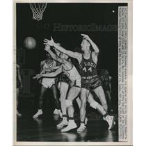 1951 Press Photo Mel Hutchins, R. Minsor, Brigham Young, Ed Scott, St Louis NIT