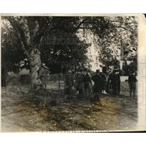 1927 Press Photo Canadian WWI Vets Visit President Coolidges Pet Raccoon Becky