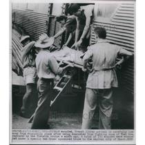 1950 Press Photo Wounded French Litter Patient - nec37738