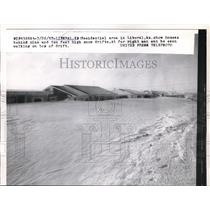 1927 Press Photo Residential area houses in Liberal, Kansas behind 9-10 ft snow