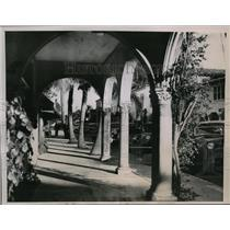 1936 Press Photo Arched Walkway on Palm Beach's Shopping Street, Worth Avenue