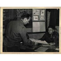 1930 Press Photo M/Sgt Gerald Farley & Maj James Lewis