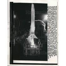 1957 Press Photo Patrick AFB, Vanguard rocket test launch at Cape Canaveral