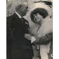 1914 Press Photo Charles Victor Hall & wife, Rita S.