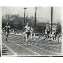1941 Press Photo Des Moines, Ia. Fred Ramsdell in 100 yard dash at track meet