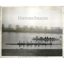 1929 Press Photo Cambridge crew on the Thames.  - nes11749