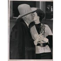 1936 Press Photo Al Smith Kissing Irene Caldwell - nec60845