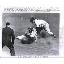 1957 Press Photo Billy Bruton Milwaukee Braves center fielder out stealing in 8t