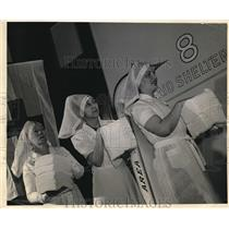 1933 Press Photo Senator's wife sponsors American Red Cross Volunteer Corps