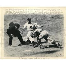 1948 Press Photo Ump Art Passarella at White Sox vs Yankees Geo McQuinn