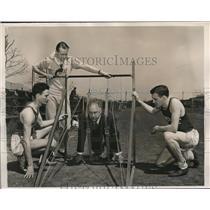 1940 Press Photo Temple U coach Ben Ogden, start gate for R Enrico,Ed Asmus