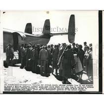 1956 Press Photo American American and British families boarding British Airways