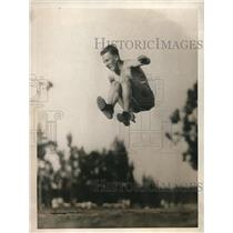 1923 Press Photo Billy Wright Star Broad Jumper for Leland Stanford - nec90739