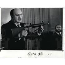 1989 Press Photo William Bash Holding a A-R Semi Auto Rifle - cva00817