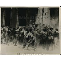 1930 Press Photo View Chaotic Annual Flour Fight Aberdeen University