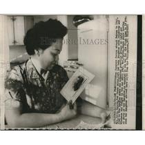 1980 Press Photo Red cross nurse Mrs Julia Garces to see daughter in 18 years