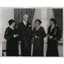 1933 Media Photo Women's Division of NRA holds meeting at Hotel Waldorf-Astoria