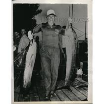 1939 Press Photo Jim Thomas with two 45lb sailfish captured in Gulf Stream