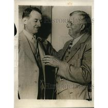 1928 Press Photo James Warner, Radio Operator, with his father, Charles L. Warre