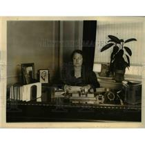 1926 Press Photo Rosalie Stewart, play producer at her NYC office