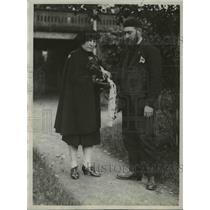 1927 Press Photo Matilda E Allison & Sedley Peck French Gold star mom