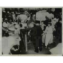 1934 Press Photo Korean Refugees Flood Fuban Station