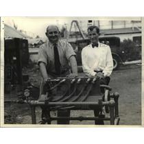 1937 Press Photo Obid Munroe, Thomas Green, Inventors Compressed Air Motor