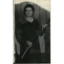 1929 Press Photo Mrs G Clinton Logan With Rifle