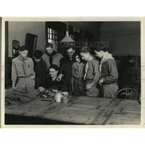 1931 Press Photo Rev. Baker, Mrs. Theresa Leferi, and Cleveland Boy Scouts