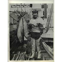 1933 Vintage Photo San Diego Shasta Boat Tuna Man with Large Catch