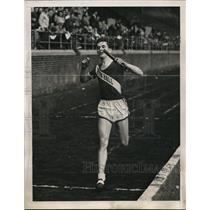1940 Press Photo Leroy Schwarzkoph Seton Hall at Medly Relays - nes22890