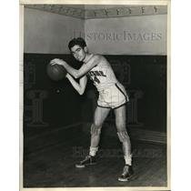 1935 Press Photo James Murphy sophmore Duquense Univ basketball - nes22877
