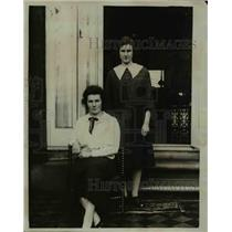 1927 Press Photo The two daughters of Mr. Ramsey MacDonald, Isabel and Joan.