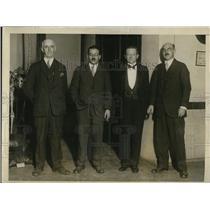 1927 Press Photo Dr. Arthur Gibson, Dr. William Mann, Dr. J.C. Hyslop