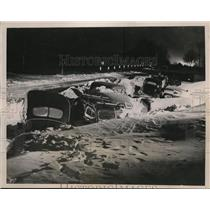 1940 Press Photo Cars snowed-in on highway near New Brighton, Minnesota