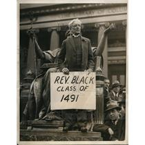 1932 Press Photo Rev. Elliot White speak during the Strike at Columbia Univ.