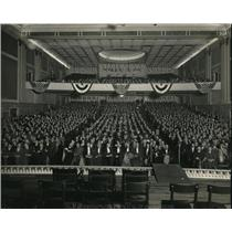 1923 Press Photo Crowds at a convention meeting