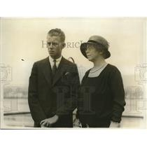 1931 Press Photo Mrs. T. M. Wilson & her son Frank above the liner of Malolo