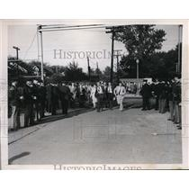1948 Press Photo Michigan State Police at the Chrysler Highland Park Plant