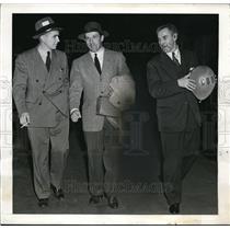 1941 Press Photo Joe Medwick and Cookie of Brooklyn Dodgers - nes24053
