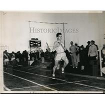 1938 Press Photo Charles Fenske as he won the mile run at Northwestern Univ.