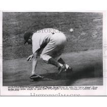 1954 Press Photo Brooklyn Dodger Pee Wee Reese shortstop - nes23188