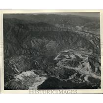 1930 Press Photo Majestic aerial view near Salinas, CA - oil country