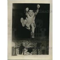 1929 Press Photo Ben Stephensky in practice leap of running broad jump