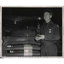 1951 Press Photo Kenneth A. Folck, a driver for Lee & Eastes, Inc. Portland, Ore
