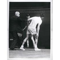 1960 Press Photo .Buccholz Injured at Wimbledon - KSB67703