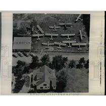 1949 Press Photo Culbertsons' Farm Visiting Airplanes Aerial View