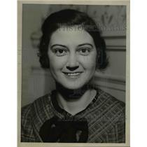 1935 Press Photo Miss Caroline McCullough, Abington Rd.