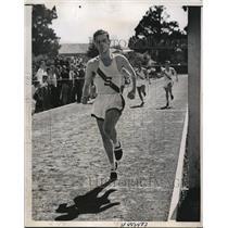 1936 Press Photo Stanford Univ Ray Malott quarter miler at UCLA meet - nes25518
